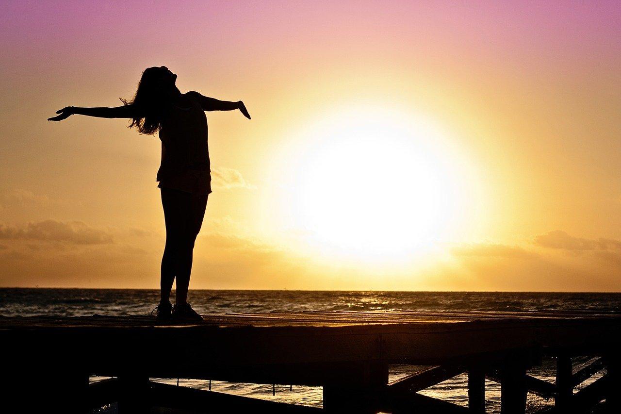 Frau Sonne Solarenergie Sonnenwachsschmelzer